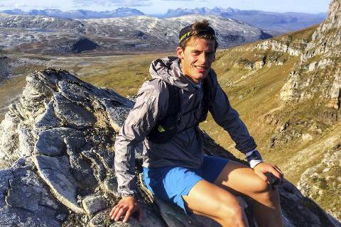 BIDRAR: Den tidligere langrennsløperen og nå skyrunner, Rolf Einar Jensen, har bidratt på lokale skiskyttersamlinger.
