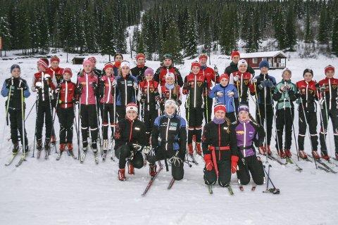 SAMLING: Skiskyttersporten rekrutterer godt lokalt. I helga var nesten 40 løpere på samling.