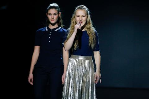 Finaler i Melodi Grand Prix jr. MGPjr. Emma Røed (14) fra Mo i Rana på scenen. Foto: Terje Pedersen / NTB scanpix