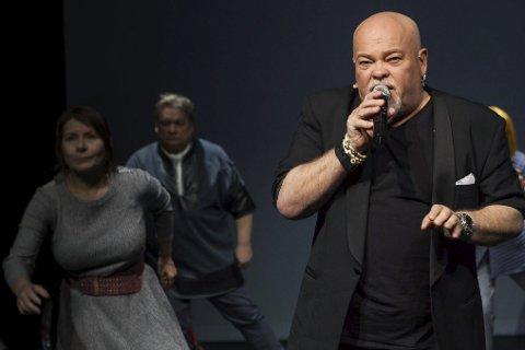 Nyskrevet: «Mávssaheapmi /Hevn» er en nyskrevet teaterstykke av den samiske dramatikeren Sven Henriksen.