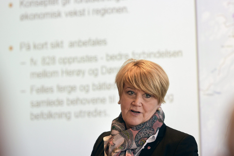 DIALOG: Fylkesråd for utdanning, Hild-Marit Olsen, ønsker god dialog med næringslivet. Foto: Øyvind Bratt