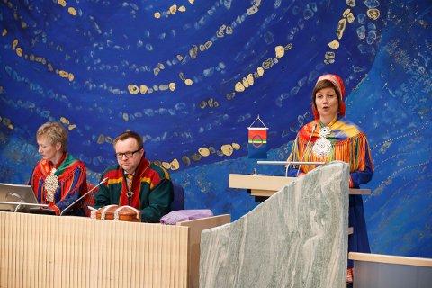 Aili Keskitalo taler til Sametinget i Karasjok.
