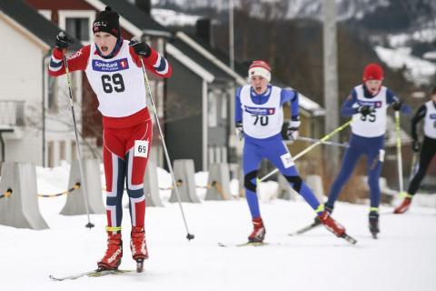 PÅ PALLEN: B&Y ILs Noah Kolåsæter (t.v.) ble til slutt nr. tre på sprinten i KM på Stokmarknes. Foto: Privat
