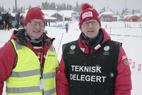 VEL BLÅST: Rennleder Leif Arne Hansen (t.v.) og skiskytterpresident Tore Bøygard hadde all grunn til å være fornøyde med helga. Foto: Stian Forland