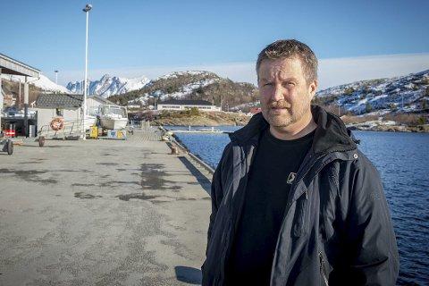 Trond Hansen som er leder i Nordnorsk Ekspeditørforening, reagerer på fylkesråd for samferdsel sine uttalelser om avtalen som trer i verk 1. september.