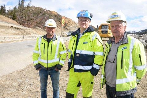 – Vi setter sikkerheten til våre arbeidsfolk høyt og vi har ingen å miste, sier driftsleder Rune Sørdal, prosjektleder Arve Krogseth og områdeleder Roar Ånes i Hæhre Entreprenør AS.