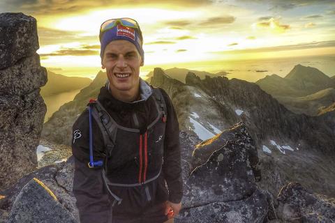TIL TOPPS: Rolf Einar Jensen, B&Y IL, synes treningsformen med løping i fjellet gir mer glede enn å gå på rulleski. Foto: Privat