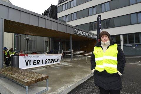 Streikeleder Berit Flaate og de andre oganiserte ved Scandic Meyergården hotell har vært i streik i 28 dager.
