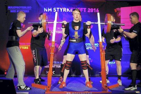 STERK: Audun Nystad Kvitvær er ungdomsløfter, og konkurrerte sist helg mot de beste i Norge i Trondheim.