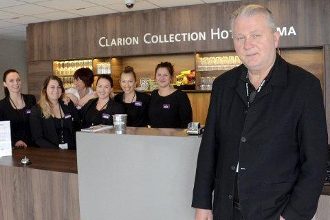 STOR PÅGANG: Direktør Dag Busch ved Clarion Collection Hotel Helma og de ansatte merket ekstra stor pågang til hotellet på grunn av streiken som de ikke ble rammet av.