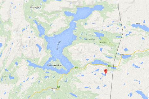 Brunreinvatnet ligger i Hattfjelldal kommune, like ved svenskegrensen.
