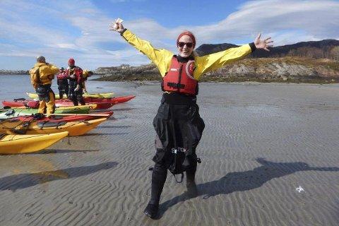 FORNØYD: Vegard Olsen forteller om veldig fornøyde deltakere, som strålte i finværet.