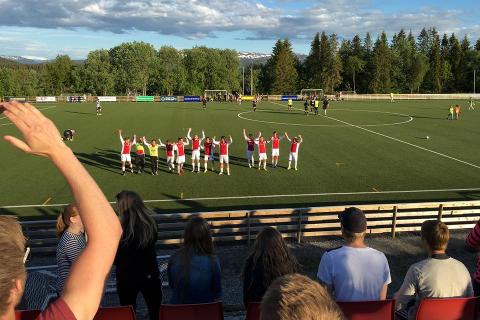 Hemnes IL jubler etter 2-1 mot Stålkam 2.