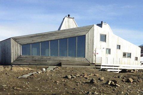 Arkitektur: Rabothytta er ei moderne hytte midt i fjellmassivet Oktsindan. FOTO: Marie Skonseng