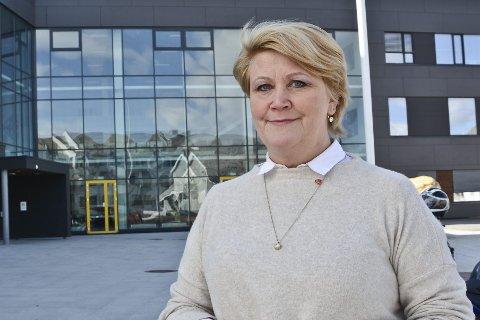 FORNØYD: Fylkesråd for utdanning, Hild-Marit Olsen (Ap) er fornøyd med at flere elever gjennomfører videregånde skole i Nordland. Foto: Trude Landstad