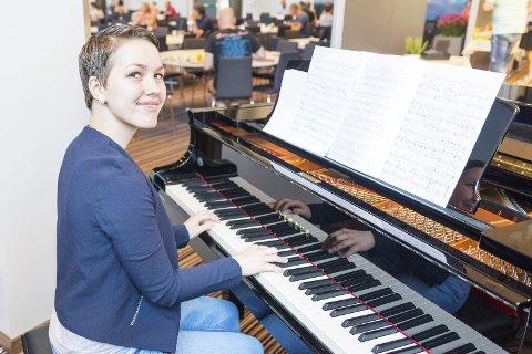 Sommerjobb: Sanne Linea Vold har fått sommerjobb som frokostpianist ved Scandic Meyergården.