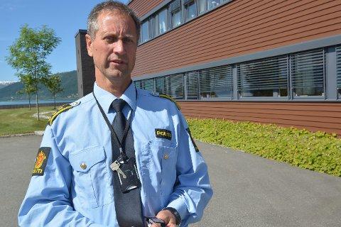 1: Roald Bjerkadal var på vei hjem fra jobb da han hørte om terrorangrepene på radio. 2: Birgitte Strid var i bryllup på et dansk slott. 3: Karl-Anton Swensen var på en kiosk i Skellefteå.  4: Ekteparet Anne og Tor B. Jørgensen var på vei hjem fra ferie. 5: Per Pedersen var på vei til Legoland.