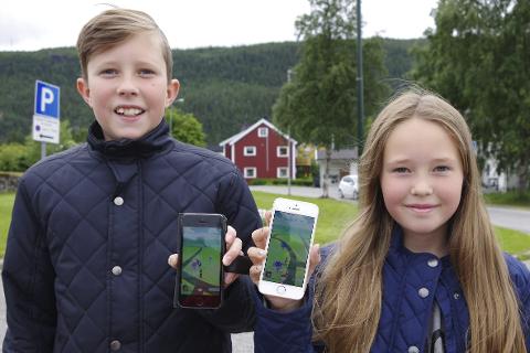 Fanget mange: Joachim (12) og Victoria Myrvang Finne (10) er godt i gang med å samle Pokémons.