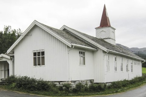 Hus for FEST: Sjona kirke vil lørdag pyntes til fest i anledning kirkebyggets 100 årsdag. Foto: Arne Forbord
