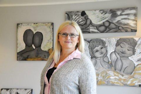 Kunst: Rita Synnøve Ekremsæter tar med seg sine malerier til Bakeribygget under Kulturnatta 15. september.