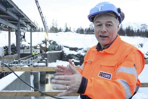 KLART FOR OPPSTART: Like før alt var klart for oppstart av rubingruva Aappaluttoq på Grønland, gikk gruveselskapet konkurs.  Nå jobber Leonhard Nilsen & Sønner med å reise kapital til    et nytt driftsselskap for å kunne starte opp rubinproduksjonen. I to år har selskapet LNS Greenland AS jobbet med å klargjøre området ved gruva for gruvedrift og anlegget er 99 prosent ferdig. – Vi har stor tro på det er liv laga i denne gruva, sier administrerende direktør Frode Nilsen i LNS.