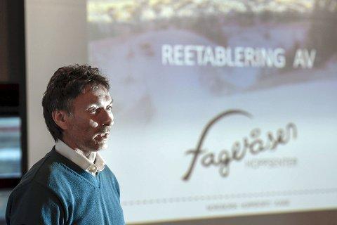 SA FRA: Eks landslagssjef Trond Jøran Pedersen er opptatt av at hopp- og kombinertsporten har ei framtid i Nord-Norge. Nye Fageråsen Hoppanlegg kan bli en viktig brikke.