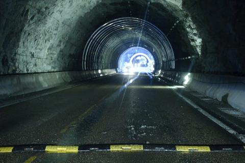 Radiosignalet i Nessettunnelen i Hemnes er borte, men denne og Finneidfjordtunnelen vil få DAB i løpet av året.