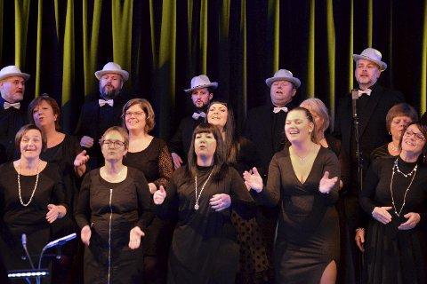 Glad: Haukneskoret byr på alt fra Happy i Grusomme meg 2 til Voi Voi, under årets nyttårskonsert. Foto: Lisa Ditlefsen