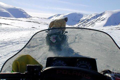 Scootertur fra Umasjø til Ammarnes snøscooter