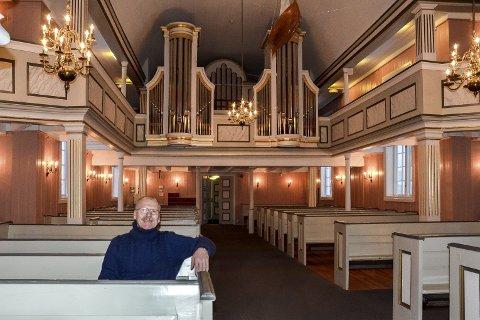 Sitter igjen: Den norske Kirke skilte seg fra staten 1. januar, men prost Martin Kildal sitter igjen på statsbenken. 64-åringen er fortsatt statsansatt med rett til full lønn til han fyller 70 år –  selv om jobben er uten innhold.