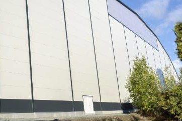 FASTHALL: Fauske fikk sin fotballhall i drift forleden høst – en stålhall med målene 115x75 meter.