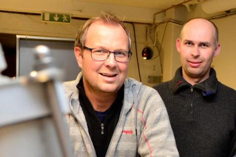 Jørn Ståle Pettersen (t.v.) og Remy Kristian Oddøy i Nordland Sett Vaks som nå er solgt til Pharmaq.
