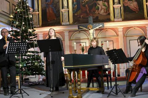 Barokk: Helgeland Sinfonietta serverte kaffe og barokkmusikk til lunsj. Foto: Lisa Ditlefsen