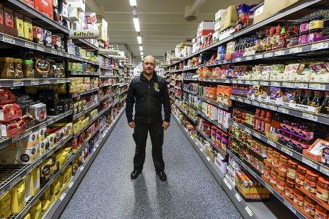 Bredere varespekter: Kjøpmann hos Bunnpris på Båsmoen, Trond Berg er glad for å kunne tilby kundene et bredere varespekter etter at butikkjeden fra 1. januar har inngått ett innkjøpssamarbeid med Norgesgruppen. Trond Berg.