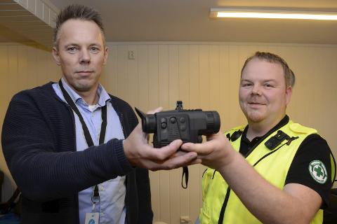 Daglig leder Hans Jørgen Larsen ved leder If Helgeland er glad for at If Trygghetsfond nå hjelper Norsk Folkehjelp Mo med å anskaffe seg en termisk kikkert. – Dette betyr mye for vår beredskap, sier operativ leder Kim Roger Lien.