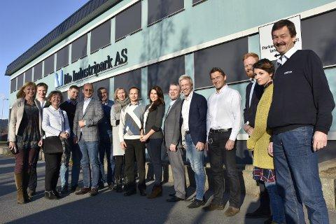 GRENSELØST: Representanter fra fire store industriparker og utviklingsselskaper fra regionen Leningrad i Russland var imponert etter å ha sett det som foregår på Mo. Utveksling og videre samarbeid over grensene var målet med møtet. Foto: Viktor Leeds Høgseth