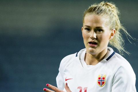 Lisa-Marie Karlseng Utland spilte andre omgang for Norge mot Nederland i Groningen tirsdag. Foto: Vegard Wivestad Grøtt / NTB scanpix