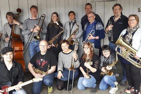 Innsamlingskonsert: Norsia Storband holder innsamlingskonsert for å støtte julefeiring. Foto: Ulf Skjæran