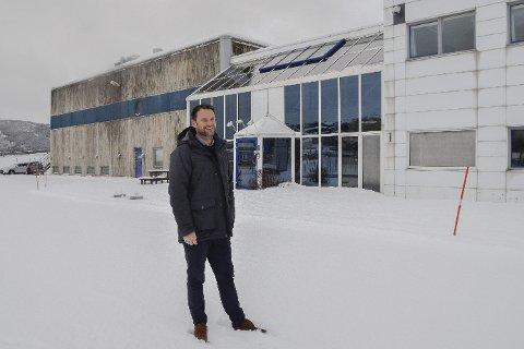 De gamle lokalene til EVRY har stått tomme, og skal nå leies ut. Eiendomssjef Morten Hagh i Ranheim ser et stort potensial i eiendommen.  Foto: Ann Kristin Kjærnli