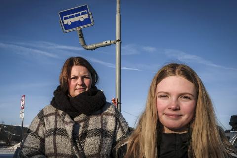 FIKK NEI: Lisa Mari Fagerheim må fortsatt belage seg på å kjøre Ane Madikken (12) til og fra skolen. Hun får ikke sitte på bussen.