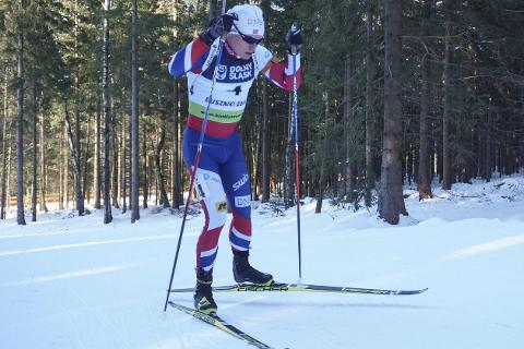 Ranværingen Frerik Gjesbakk viste styrke i Norgescuprenn, mens landslaget i stafett ikke gjorde det samme i skiskyter-VM. Foto: Anders Brun Hennum