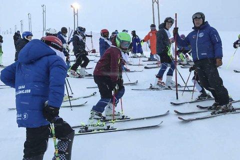 PÅ NNM: Solid innsats av Rana slalåmklubb i årets NNM i Harstad, der de  stilte med hele 19 alpinister. Foto: Ove Bromseth . FFoto: Ove Bromseth