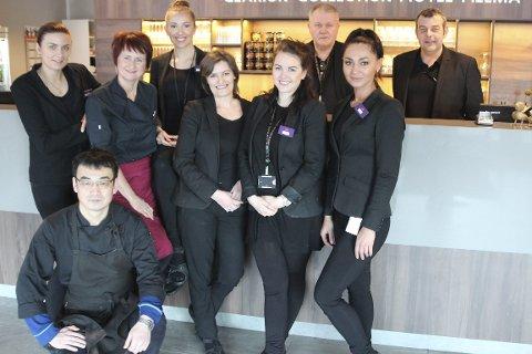 Trives i lag: Hotelldirektør, Dag Busch, sier alle ansatte ved Hotel Helma har bidratt til at de er rangert blant de beste hotellene i Norge.