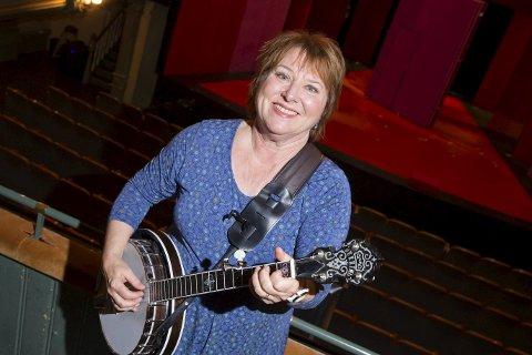 KOMMER:  - Musikalsk er vi så nært plata som vi kan komme, sier Kari Svendsen om konserten, der hun for øvrig er uten banjo - kun som vokalist. Foto: SCANPIX