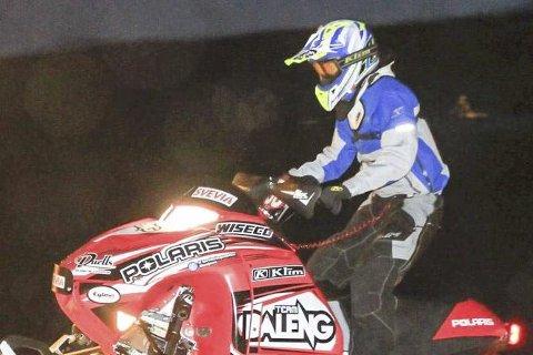 Scootercross: Signe Bråten ble utfordret av søsteren Ronja i helgas Nordiske mesterskap.