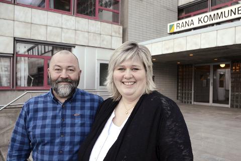 VIL HJELPE:  Sveinung Haugen og Hilde Fridtjofsen i Rana kommune registrerer at det er et sterekt behov for utleieboliger. Foto: Ann Kristin Kjærnli