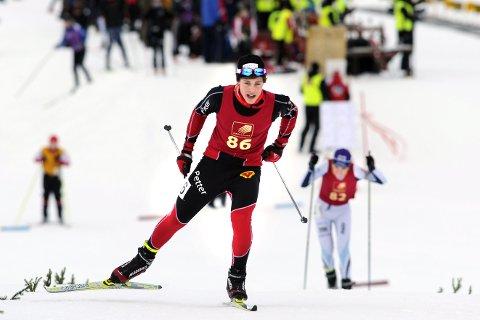 MANGE PÅ STANDPLASS: Legg merke til alle folkene inne på standplass under dette norgescuprennet i 2011. I år trenges det rundt 175 frivillige under NM i skiskyting neste uke.