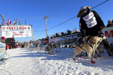 START: Her er Ulsom klar til restart i Fairbanks. Starten ble flyttet fra Willow på grunn av forholdene rundt hovedstaden Anchorage.