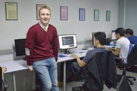 Gründer: Per-Oddmund Korsnes fra Båsmoen er administrerende direktør i to firma som han selv har startet og hatt forretningsideene til, på Filippinene. Foto: Jimmy Cruz
