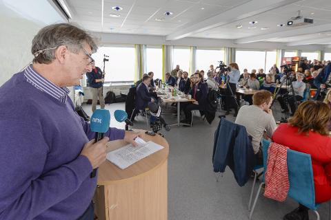BESKJED: Kenneth Svendsen gir her klarsignal for ny flyplass på Helgeland. Foto: Øyvind Bratt
